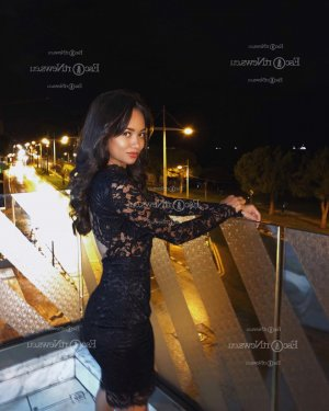 Ocelina outcall escorts in Yauco