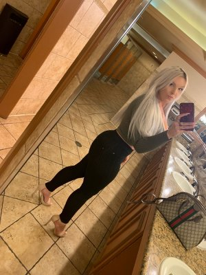 Shainna escort girl in Hershey