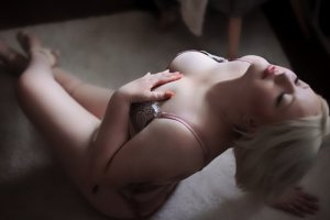 Madyssone incall escort