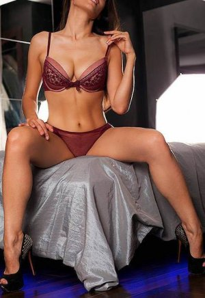 Zoulira independent escorts in Holbrook