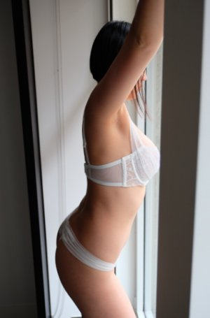 Najma independent escort in LaGrange